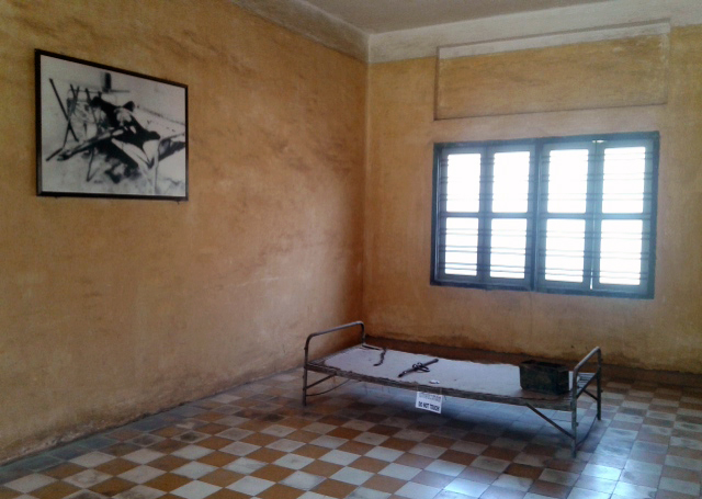 A torturing room in S21